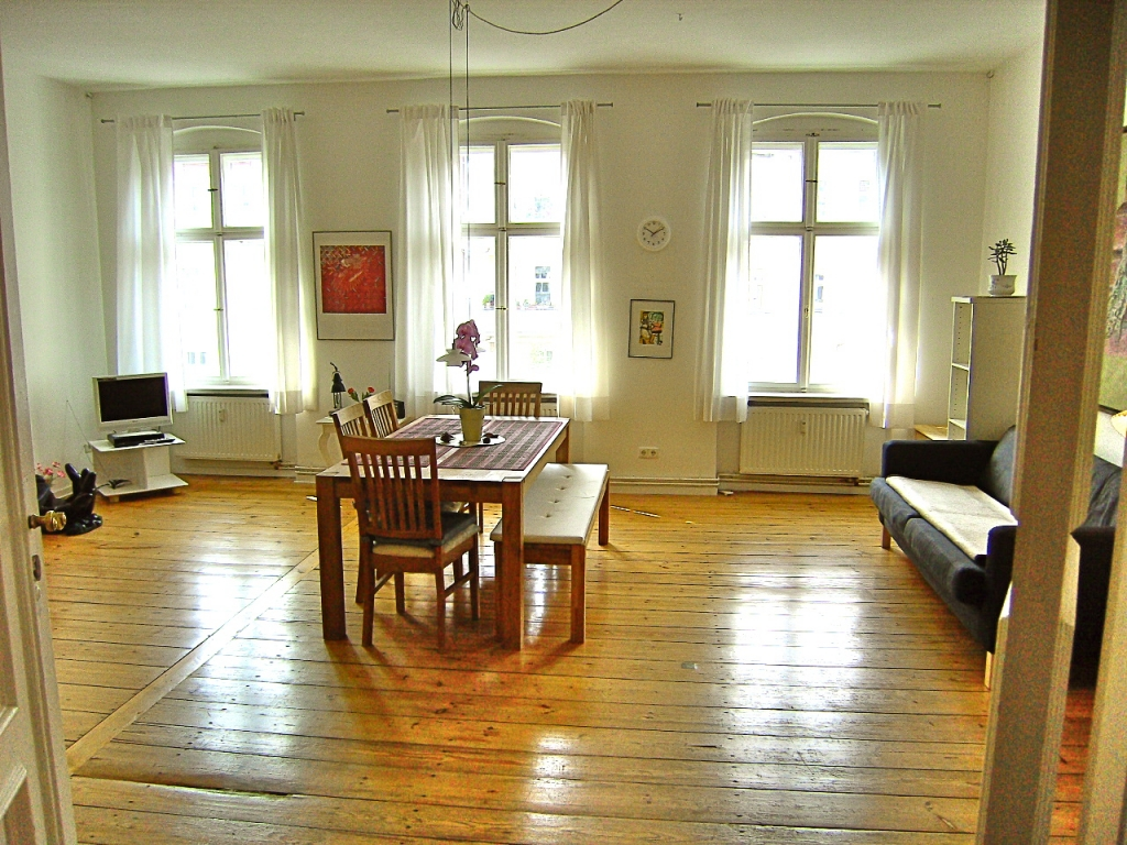Nice and bright flat in Rykestrasse