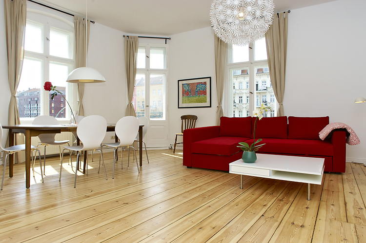 Big and spacy apartment in Prenzlauer Allee